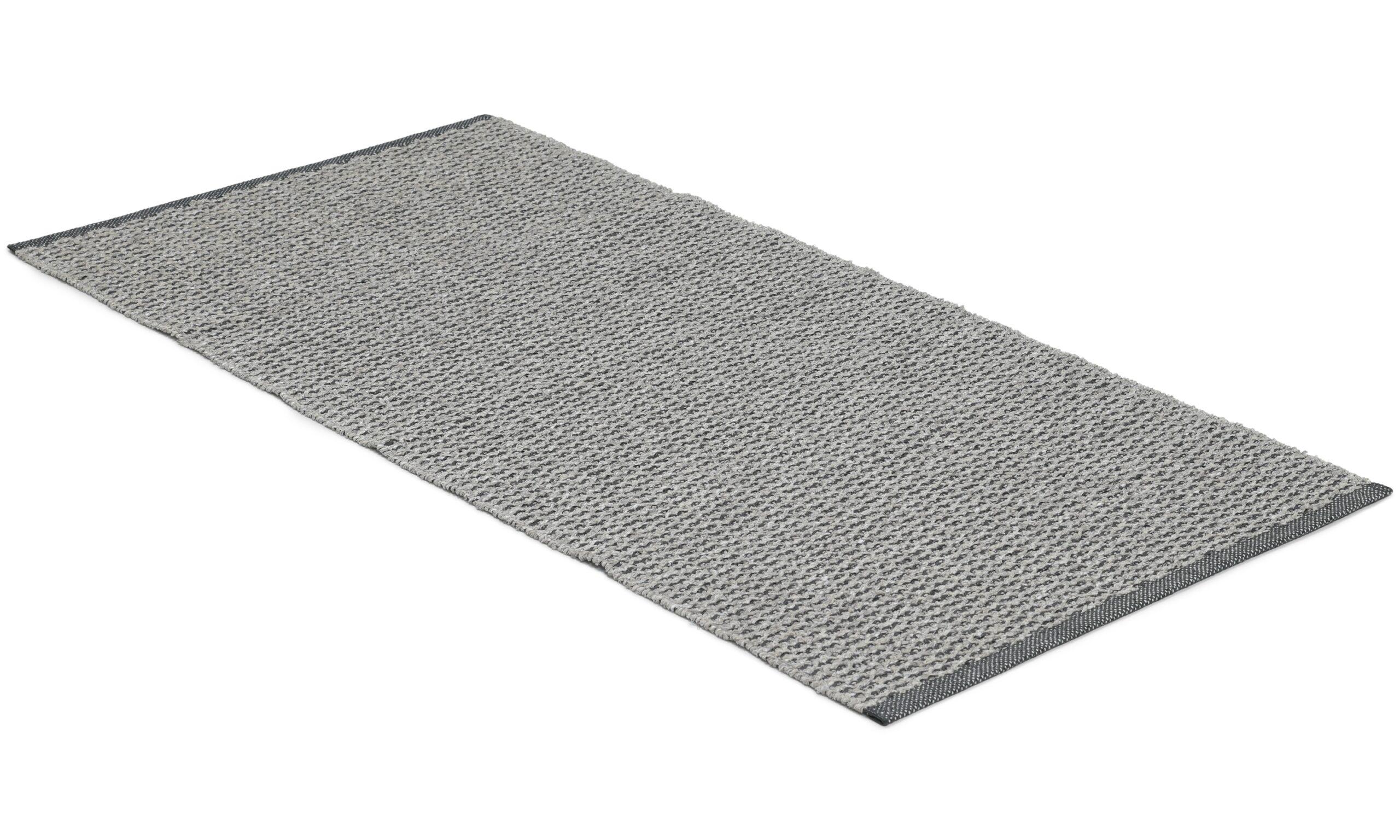 Signe grå - plast- og garnteppe