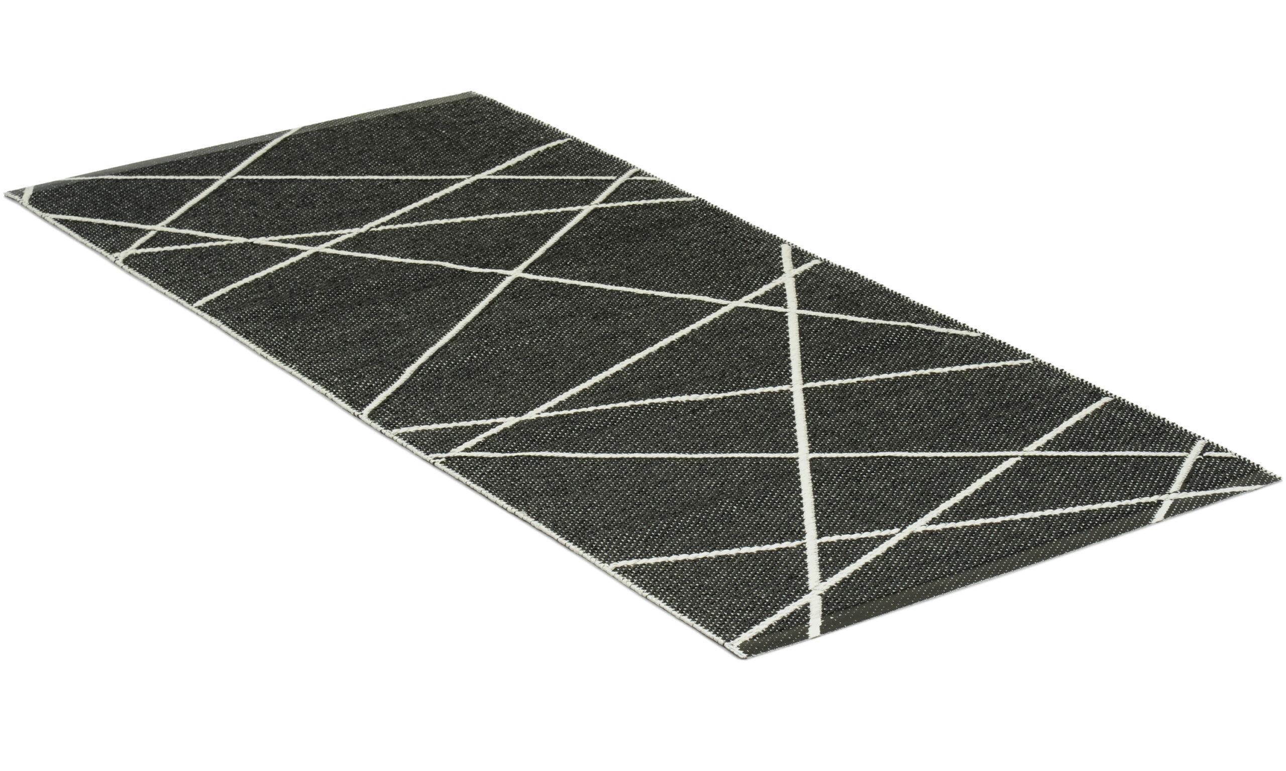 Line svart/hvit - plastteppe